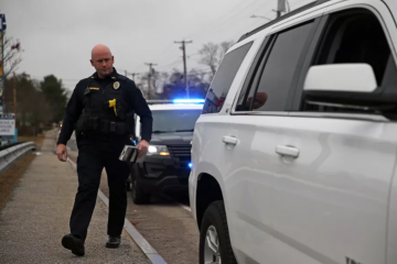 'Hey Siri, I'm getting pulled over': iPhone feature will record police interaction, send location